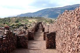 09 – El Complejo de Piquillacta. Dicen que no son restos incas, sino de una cultura anterior, los Wari. Tienen más de mil años de antigüedad.