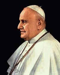 02 – En su dilatada labor apostólica, ocupó varios cargos de relevancia en la Iglesia católica en el período de preguerra. Como obispo titular de Areopoli y, más tarde, de Mesembria.