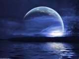 10 - Disfrutando de una fina cena a la luz de la Luna y candiles, mientras los envuelve suavemente la cortina musical de un violín gitano. Sólo hay que añadirle un poco de buena voluntad y obtendrá toda la magia necesaria para lograr cualquier cosa que su corazón desee.